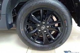 bánh xe innova
