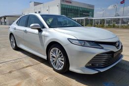 camry trắng