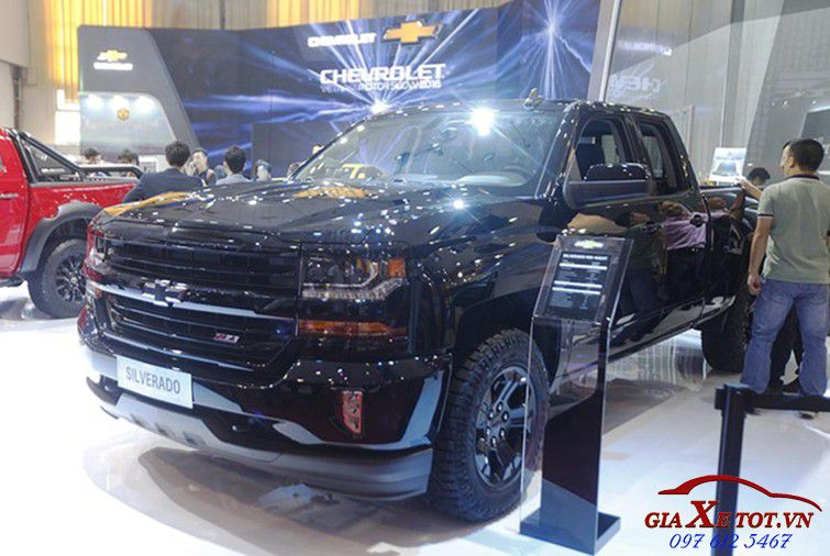 Chevrolet Silverado Midnight