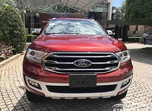 Ford-Everest-2019-giaxetot_bg1