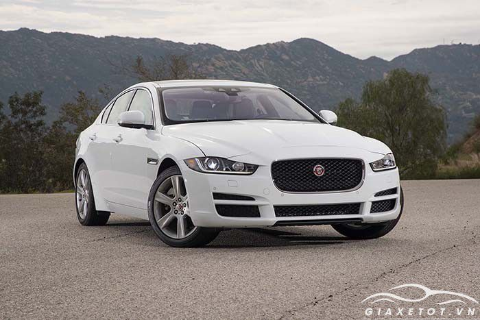 Jaguar_XE_Prestige_2.0_P_240
