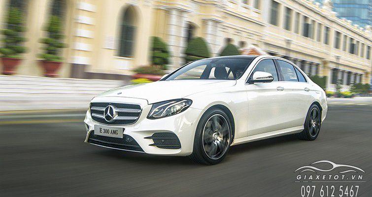 Mercedes Benz E Class trang