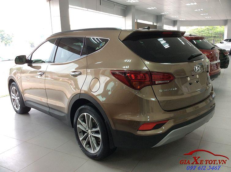 Hyundai Santafe máy dầu đặc biệt