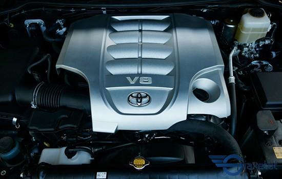 động cơ vận hành xe Toyota land cruise