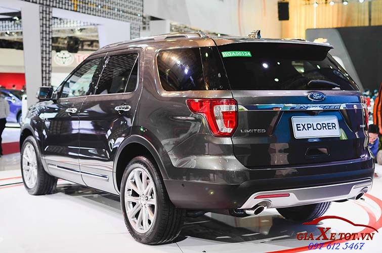 than xe Ford Explorer 2