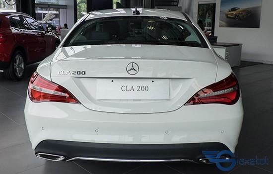 đuôi xe Mercedes CLA 200