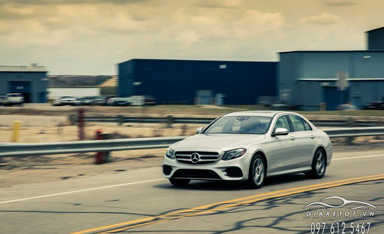 giá xe Mercedes Benz E Class