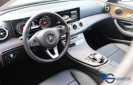hệ thống âm thanh giải trí Mercedes E200