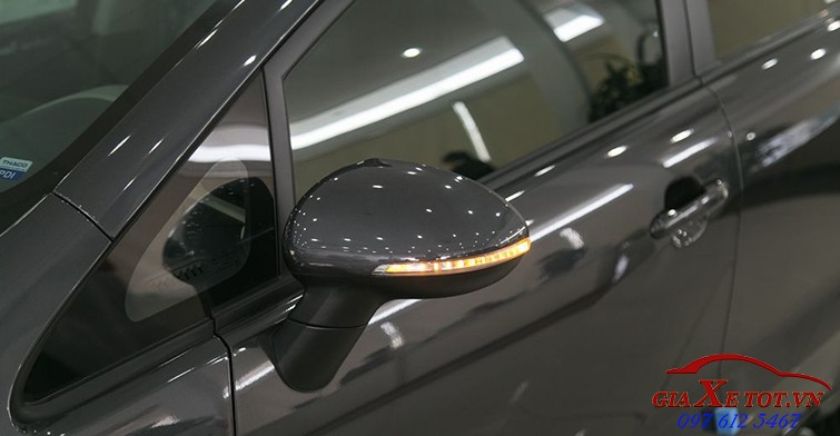Thân xe Kia rio hatchback 3