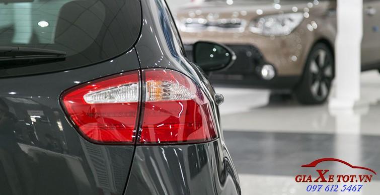 đầu xe Kia Rio hatchback 3