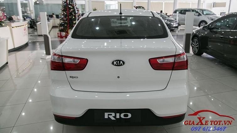 đuôi xe rio sedan