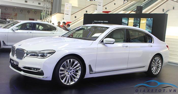 gia xe bmw 750li 2018