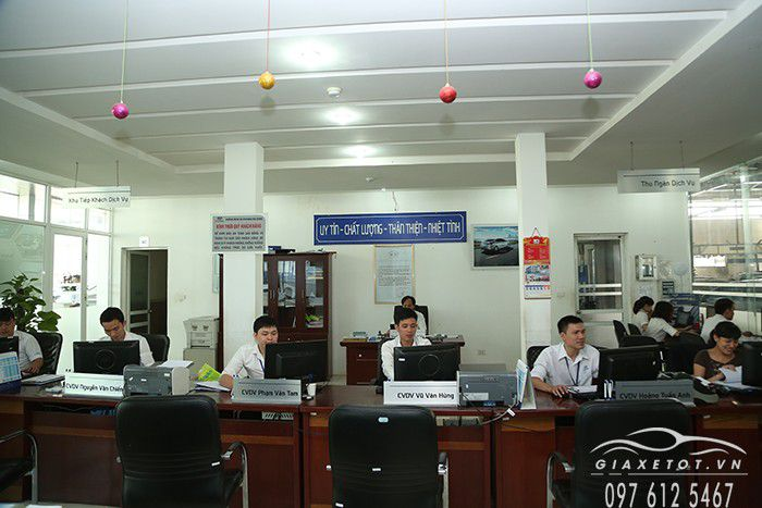 cua hang hyundai ha dong