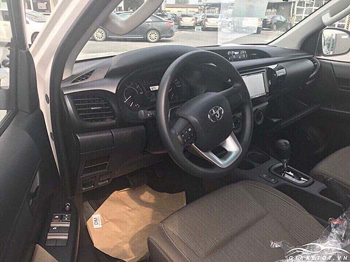 Nội thất Toyota Hilux 2019