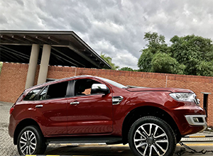 than_xe_Ford_Everest_12bg1