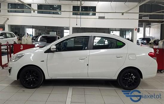 thân xe mitsubishi attrage màu trắng