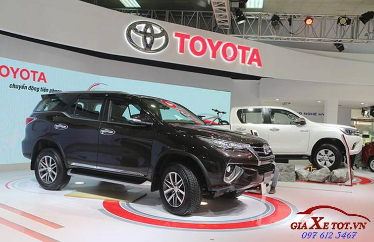 than xe ngoai that  toyota fortuner 2017